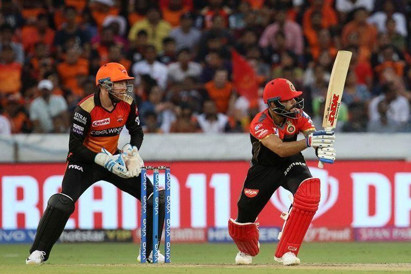 विराट कोहली भी अभी तक तीनों मैचों में फ्लॉप रहे हैं