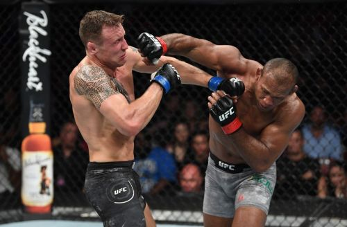 Jack Hermansson pulled off a major upset over Jacare Souza in last night's main event