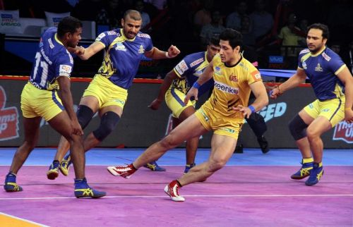 The Tamil Thalaivas wear a very formidable look
