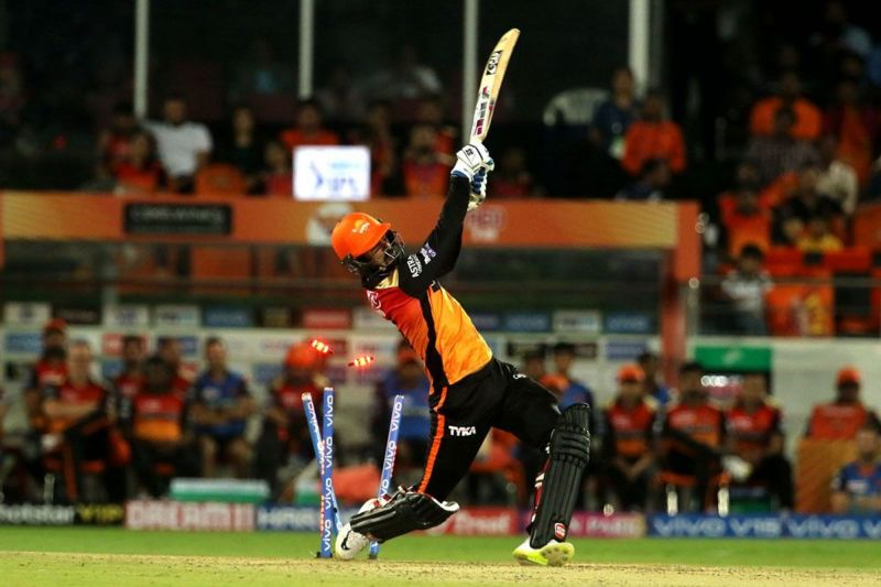SRH trying to hit their way to glory - and failing miserably