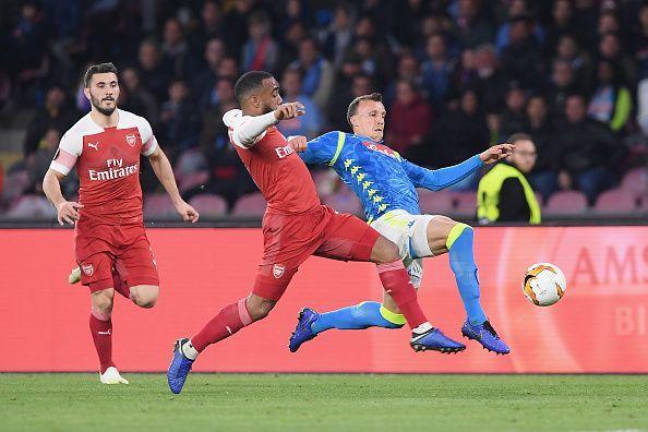 Arsenal progress to the semi finals following a 3-0 aggregate win over Napoli