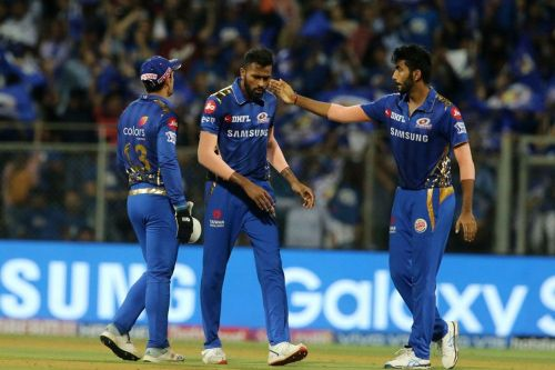 The Mumbai Indians players (image courtesy: BCCI/iplt20.com)
