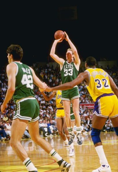 Larry Bird V Earvin