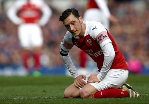 Ozil and Arsenal's poor away form continues