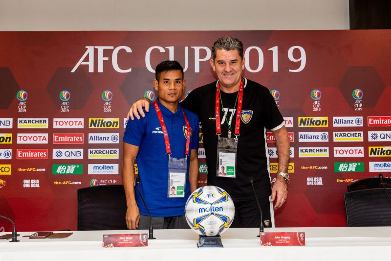 Chennaiyin coach John Gregory with midfielder Thoi Singh ahead of their AFC Cup match against Minerva Punjab