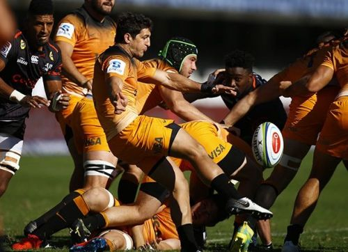 Thomas Cubelli in action vs The Sharks: picture courtesy of Sport24
