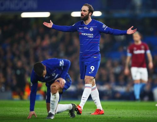 Chelsea's Gonzalo Higuain wants to stay at Stamford Bridge following the end of 2018/19