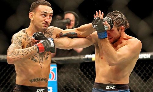 Can Max Holloway become the UFC's latest double champion?