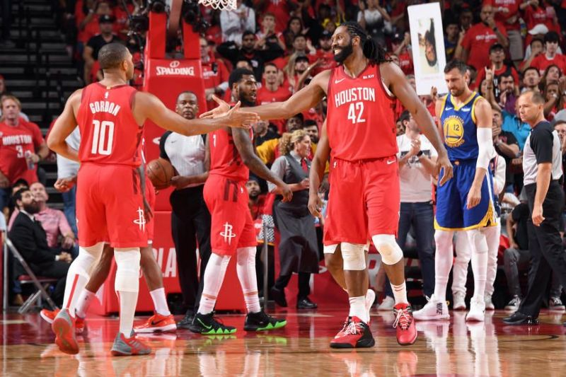 Eric Gordon erupted for 30 points to help the Rockets to victory