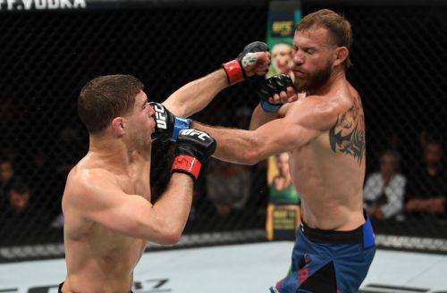 Donald Cerrone came out on top in an epic main event against Al Iaquinta