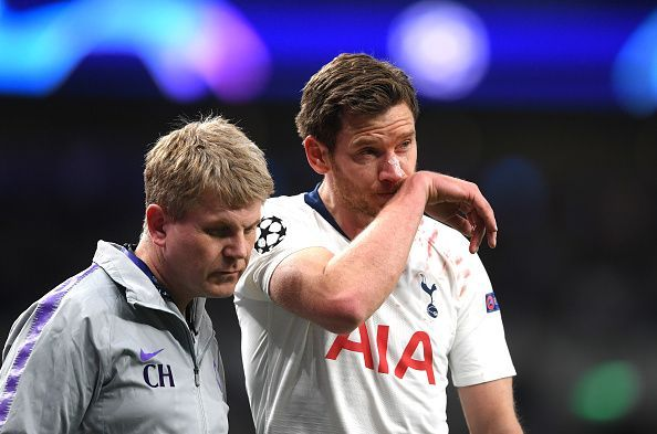 Jan Vertonghen was forced out of the game with a head injury, adding to Tottenham