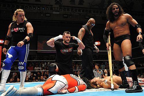Rey Bucanero (far left) with the Bullet Club