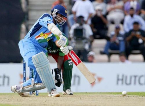 Sourav Ganguly's 90 against Kenya in 2004 is the highest individual score by an Indian player at the Rose Bowl Cricket Ground.