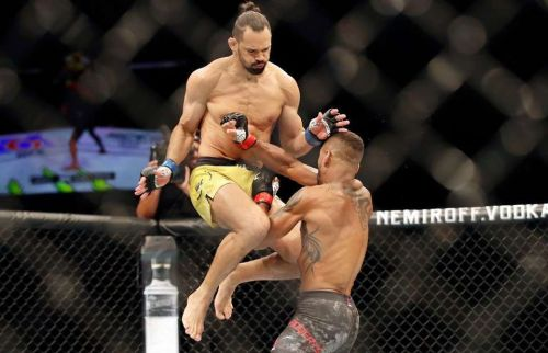 Michel Pereira took out Danny Roberts in phenomenal fashion