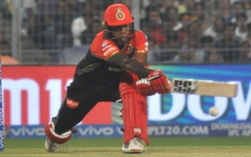 Akshdeep Nath playing a reverse sweep (Picture courtesy: iplt20.com/BCCI)