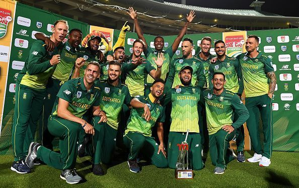 The South African National Team celebrates their series win over Sri Lanka