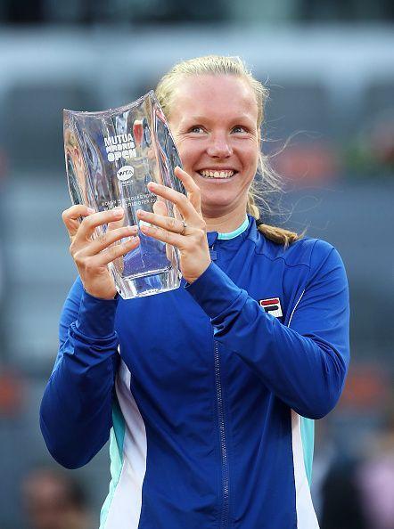 Kiki Bertens with her Madrid Open trophy