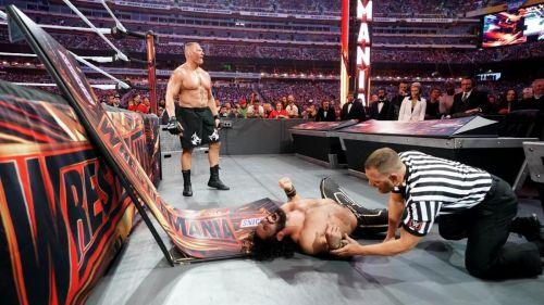 Brock Lesnar vs Seth Rollins