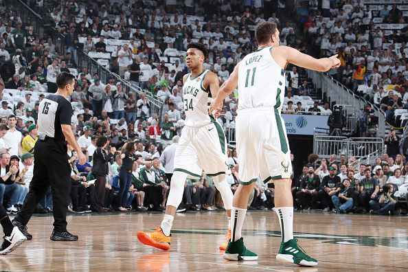 Toronto Raptors played the Milwaukee Bucks in a thrilling game