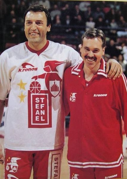 Dino Meneghin and Mike D'Antoni. Photo provided by Getty Images.