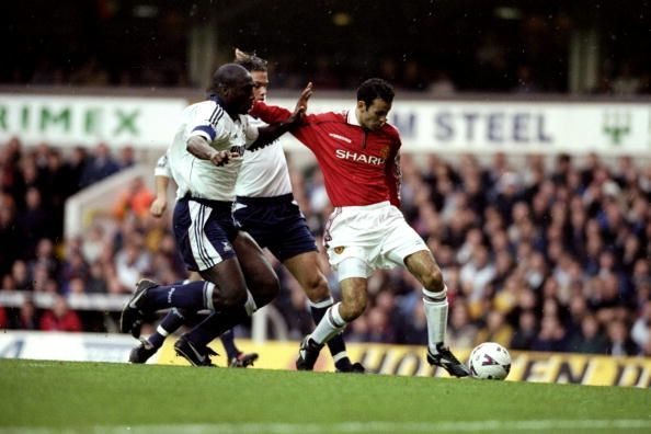 There are clear similarities between Giggs and James in their style of play