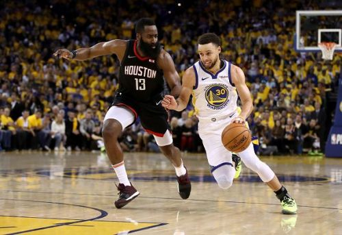 Stephen Curry rose to the occasion last game with Durant exiting the game with a right calf strain