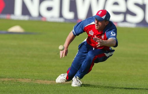 5 catches by Paul Collingwood of England is the highest number of catches by a player at this ground.