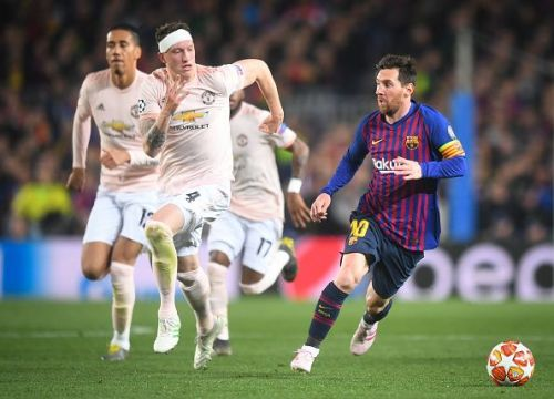 Messi took Manchester United to school in the Champions League