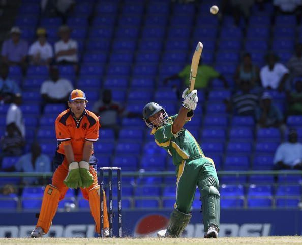 Herschelle Gibbs clubs one into the stand