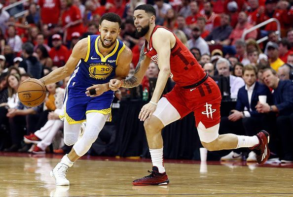 fe9d9b24075 Golden State Warriors enjoy home court comforts Curry has got to step up in  the absence
