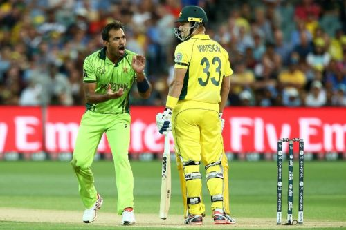 Wahab was all over Shane Watson.