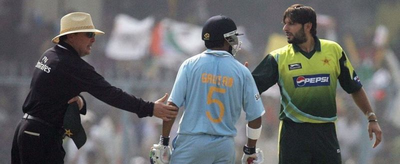 Shahid Afridi and Gautam Gambhir (Image Source: IPLT20/BCCI)