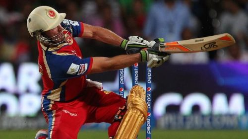 AB de Villiers is the leading run scorer in RCB vs SRH matches at the M Chinnaswamy Stadium. Image Courtesy: IPLT20.com
