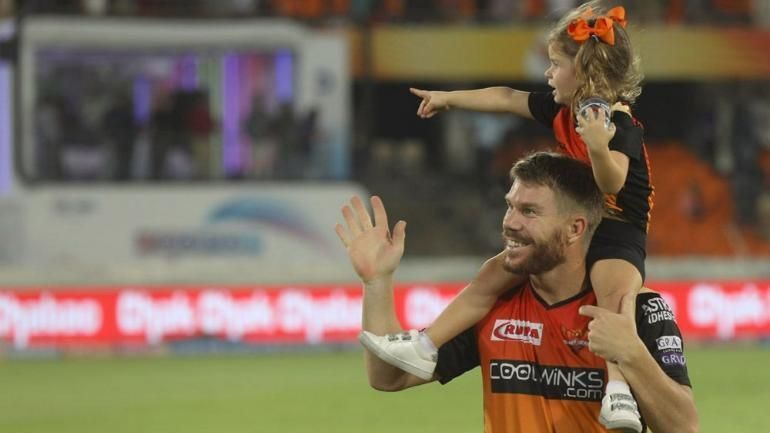 David Warner with daughter Ivy Warner during a lap of honor. (Picture courtesy: iplt20.com)