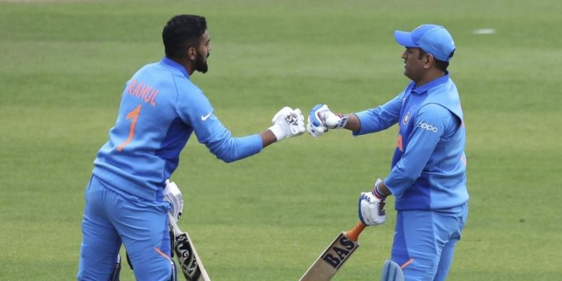 KL Rahul and Dhoni