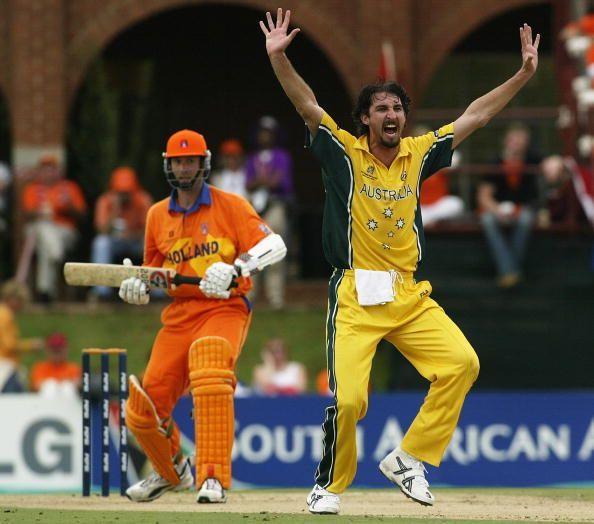 Jason Gillespie of Australia appeals for the wicket of Klaas Van Noortwijk of Holland