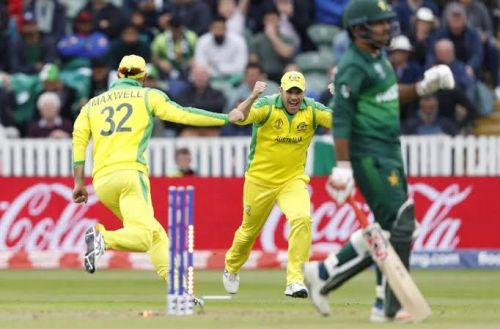 Maxwell's one-handed throw won the game for his side