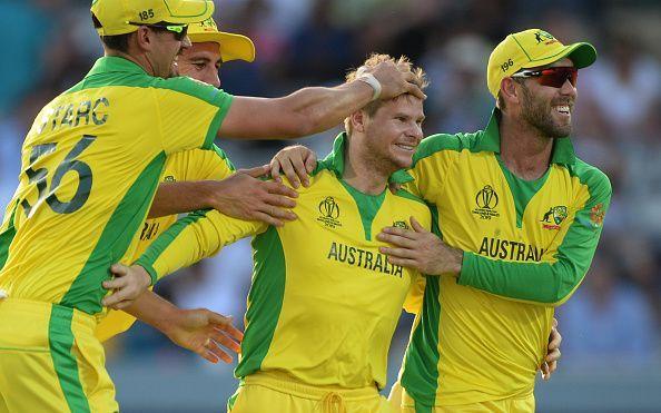 न्यूजीलैंड के खिलाफ विकेट की खुशी मनाते ऑस्ट्रेलियाई खिलाड़ी