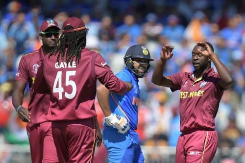 वेस्टइंडीज के खिलाफ मैच के दौरान रोहित शर्मा
