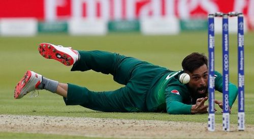 Mohammad Amir drops a catch against South Africa