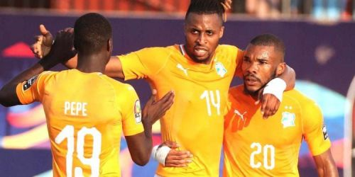 Jonathan Kodjia of Ivory Coast celebrates with teammates during the 2019 Africa Cup of Nations. Photo: EPA/GAVIN BARKER