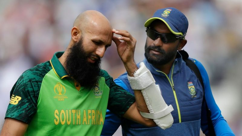 For South Africa, both Dale Steyn and Hashim Amla were not playing this match due to injury which proved to be a major blow.
