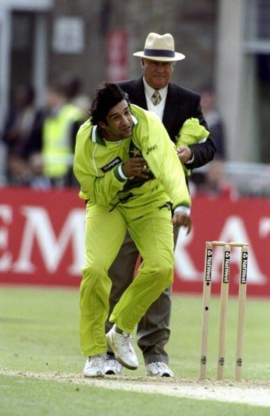 Wasim Akram of Pakistan Sri Lanka v India - Commonwealth Bank Series
