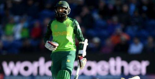 अफगानिस्तान के खिलाफ मैच के दौरान हाशिम अमला