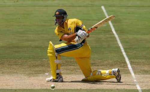 Andrew Symonds hammered the Pakistani bowlers on first appearance in the World Cup.