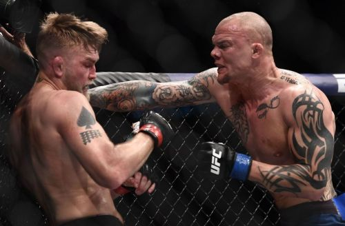 Anthony Smith upset Alexander Gustafsson in last night's main event