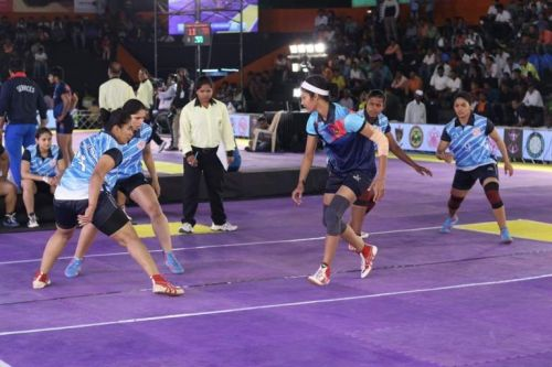 Women's kabaddi in national level tournament.