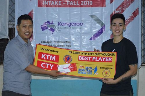 Allana May Lim (R) of ISO Kite was adjudged player of the match for the second time in a row