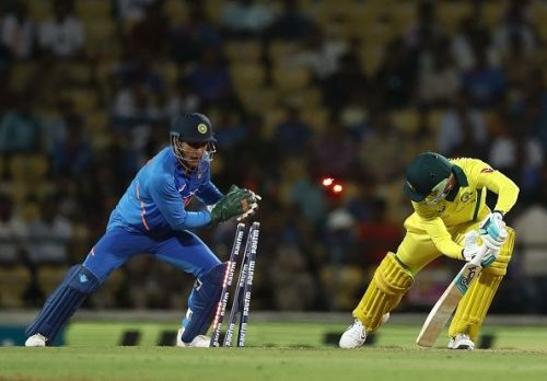 Dhoni's quick hands