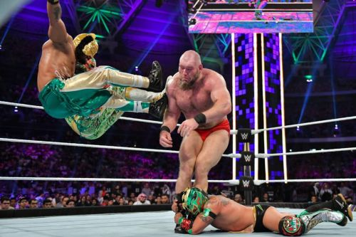 Lucha House Party vs Lars Sullivan